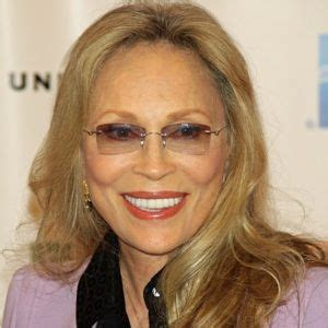 Faye Dunaway Biography, Age, Height, Weight, Family, Wiki ...