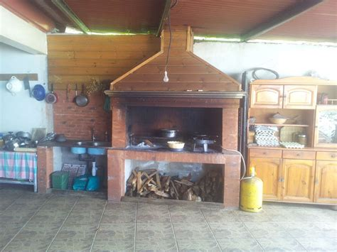 cuisine au bois davaus modele cuisine feu de bois avec des idées