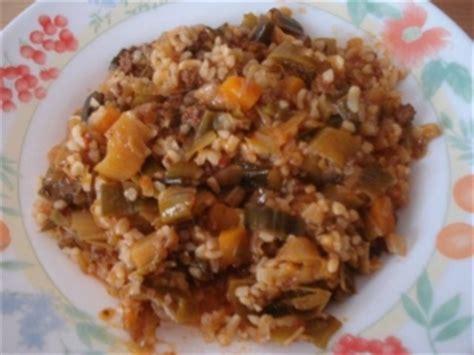 spécialité turque cuisine recette poireaux a la viande haché et la sauce tomate