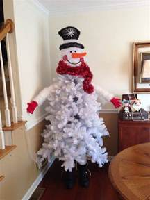 make a snowman out of a tree craft projects for every fan