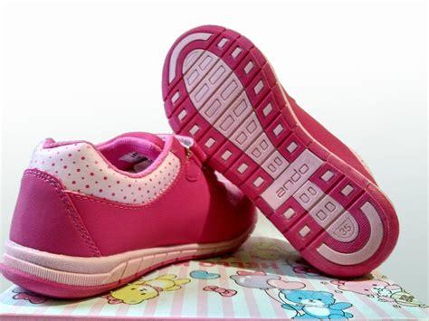 jual sepatu ando hello pink fuchsia sepatu anak perempuan sepatu ke limited di lapak