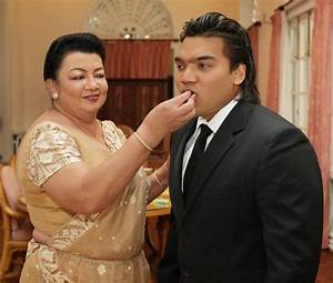 Two stories:Namal Rajapaksa took oaths as Attorney-at-Law ...