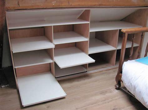 chambre bébé sous pente chambre en sous pente amnagement placard sous pente