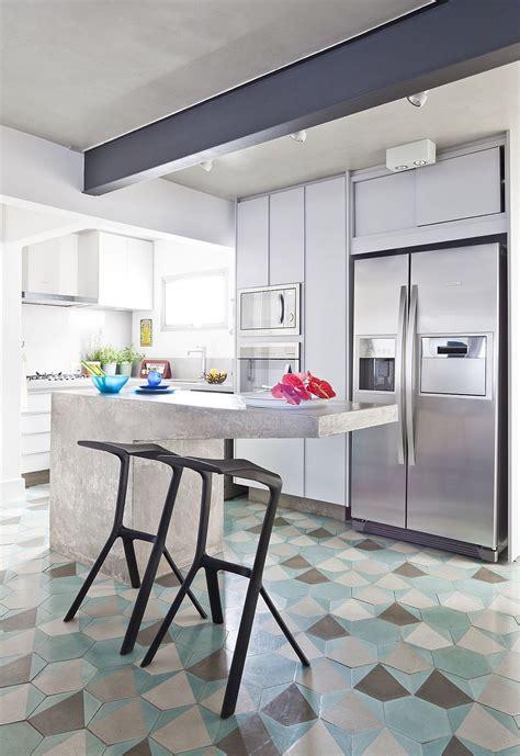 hexagonal tiles ideas  kitchen backsplash floor
