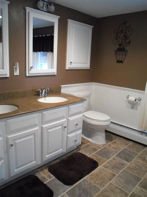 Bathroom Neutral Colors by Traditional Bathroom With Neutral Paint Color White