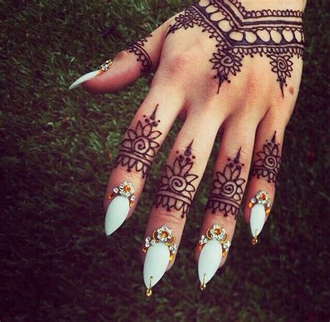 Best Henna Hand Tattoo Ideas And Images On Bing Find What You Ll