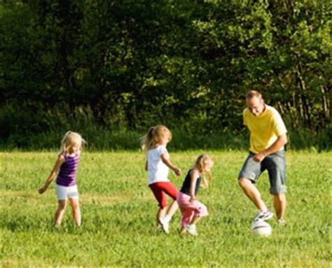 family outdoor activities maintain  healthy lifestyle