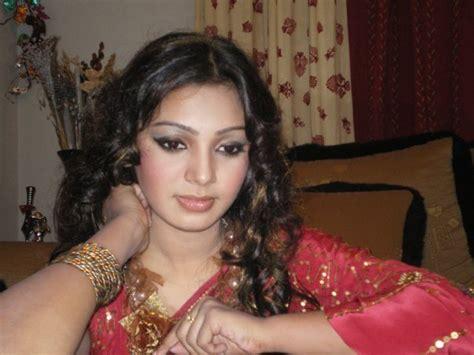 Get 24/7 latest (update) bangla/বাংলা news from. Bangladeshi School Girl's