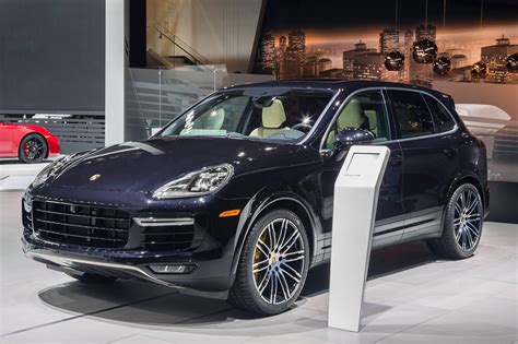 Porsche Cayenne Picture by Porsche Cayenne Turbo S Official Specs Pictures