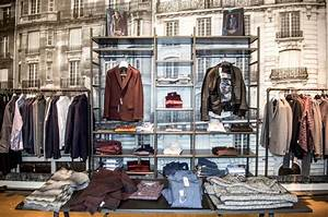 The 25 best clothing store interior ideas on pinterest for Best bathroom stores toronto