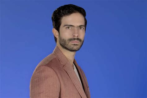 Cuadro de Honor: Osvaldo Benavides EntreFans com