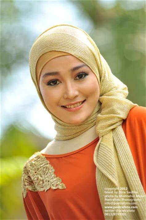 foto model jilbab hot koleksi gadis berhijab cantik jadi foto model terbaru  kumpulan foto