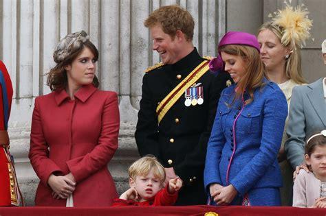 Meghan Markle, Prince Harry Arrive at Princess Eugenie's Wedding   PEOPLE.com