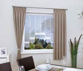 gardinen dekorationsvorschlã ge wohnzimmer wohnzimmer und kamin gardinen für wohnzimmer große fenster inspirierende bilder