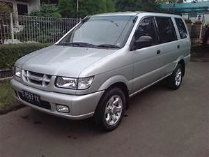2001 Isuzu Panther - Pictures