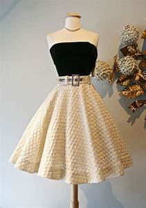 Gorgeous 50u0026#39;s skirt and top! Womenu0026#39;s vintage rockabilly fashion clothing outfit | Dresses ...