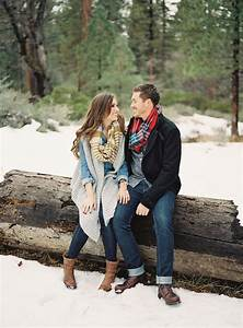 Outfit Ideas for Winter Engagement Photos | Temple Square