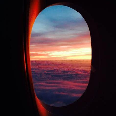 sunset   plane window  room   view plane
