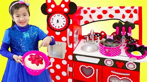 Jannie Pretend Cooking With Giant Minnie Mouse Kitchen Toy