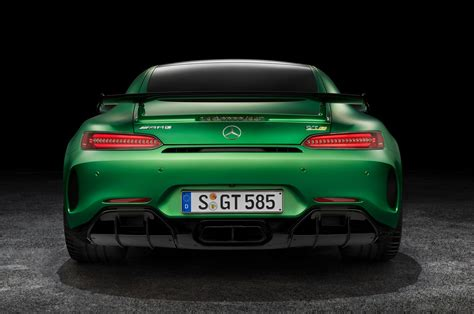 2018 Mercedes Amg Gt R First Look Review Motor Trend