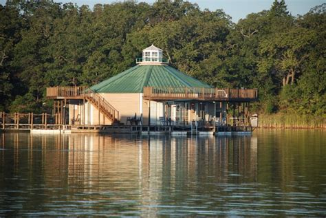 The landing at prizer point marina & resort is casual dining in a floating restaurant on the waters of lake barkley. 12 Unique Places To Stay In Oklahoma