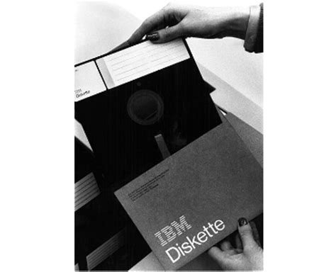 disket diskette ibm el diskette se niega a morir pero sony le da eutanasia