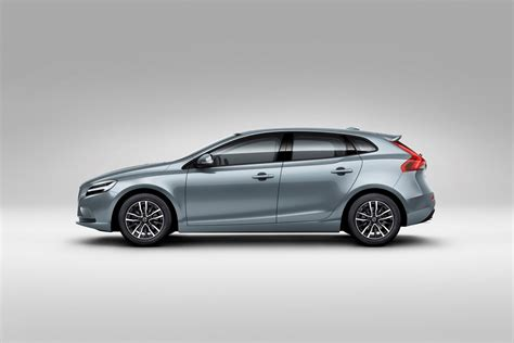 volvo hatchback 2017 volvo v40 hatchback gets thor s hammer led headlights