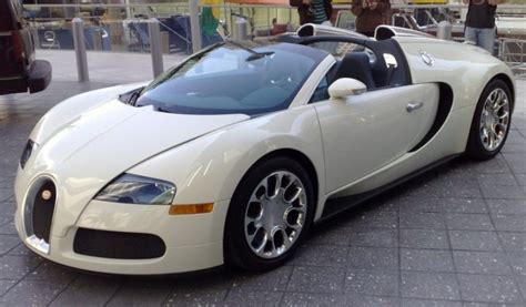 2016 Bugatti Veyron Price by Bugatti Veyron 2016 Bugatti Veyron Price Pic And Specs