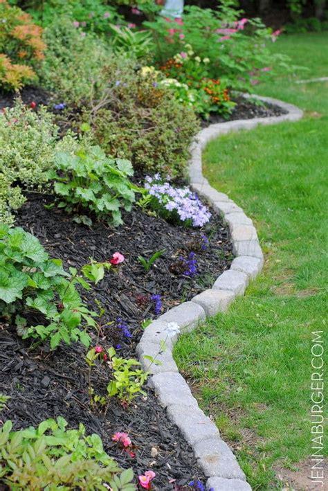 simple  cheap garden edging ideas   garden