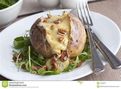 pommes de terre robe de chambre pomme de terre en robe de chambre photographie stock libre