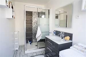 gris et blanc dans la salle de bains moderne de daisy a With salle de bains gris et blanc