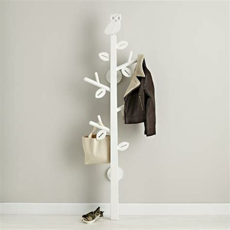 arbre porte manteau enfant le porte manteau arbre ajoute une touche d 233 co 224 votre int 233 rieur archzine fr