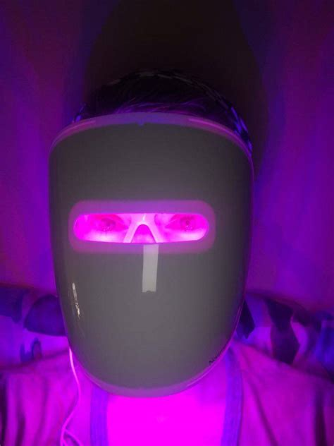 Neutrogena Visibly Clear Light Therapy Mask Review
