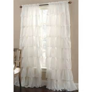 curtains and ruffle curtains on