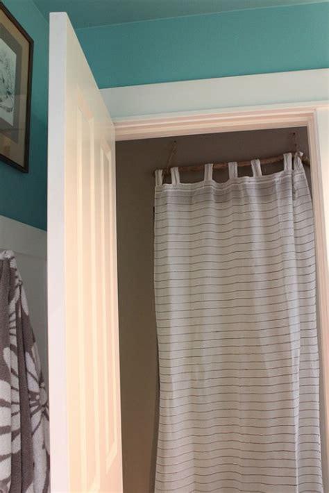"My ""simple And Done"" Quick Fix Closet Door Curtain {diy"
