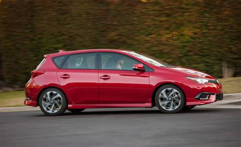 2017 Toyota Corolla Hatchback  News, Reviews, Msrp