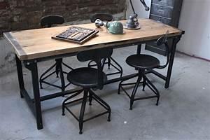 Table Chene Et Metal : table ou bureau metal industriel des annees 50 militaire ~ Teatrodelosmanantiales.com Idées de Décoration