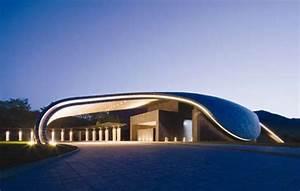 70 Irregular Architecture Designs