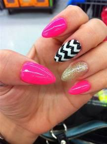 Pink nails almonds black and gold art