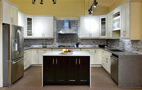 Cabinet Styles and Designs   Kitchen Cabinet Store Winnipeg