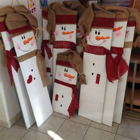 bonhommes de neige avec des anciennes planches de parquet bonhomme neige recup www