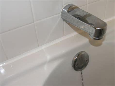 how to recaulk a bathtub dover projects how to caulk a bathtub