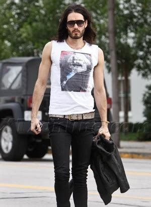 Russell Brand Body Measurements Height Weight Shoe Size