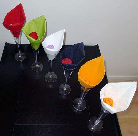 pliage serviette papier nenuphar pliage de serviette de table en forme de fleur en forme d arome r 233 aliser lotus avec une