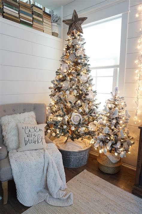 farmhouse christmas home