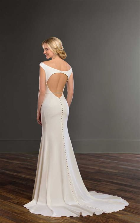 backless sheath wedding gown  structure martina liana