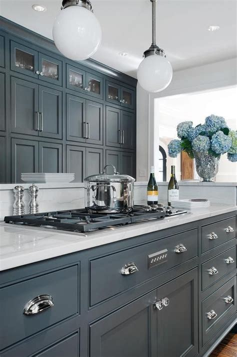 charcoal grey painted kitchen cabinets best 25 painted kitchen cabinets ideas on