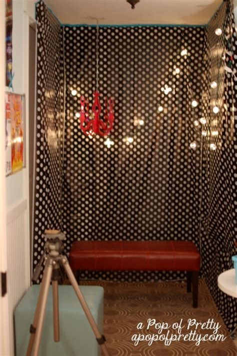 Diy Photo Backdrop With Wrapping Paper by Diy Photo Backdrops 55 Amazing Easy Do It Yourself