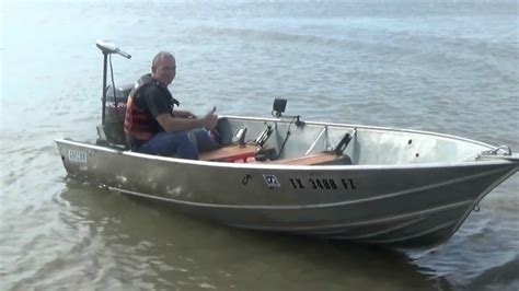 14 Ft Fishing Boat Ideas by 30 Hp Outboard Mercury On 14 Ft Aluminum Boat Youtube