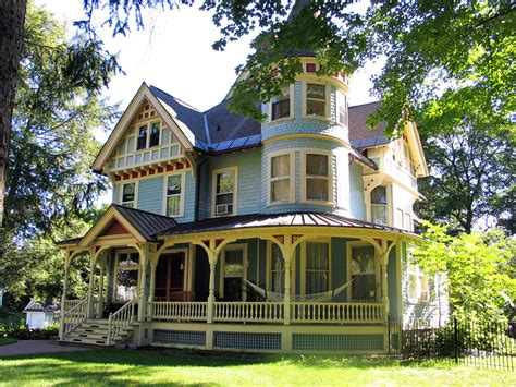Miss Moss · Victorian Style Homes